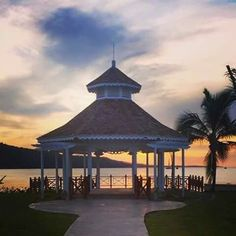 Moon Palace Jamaica Grande Sunset Wedding Location. Call us today to book your honeymoon or destination wedding 443-703-6600. #caribbean #Jamaica #moonpalace #resortcredit #sale #save #callustoday #mobay #mexico #cancun