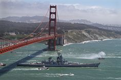 Iowa is towed under the Golden Gate Bridge and out to sea on its final voyage on May The battleship is becoming floating museum on the San Pedro waterfront in Southern California. (Don Bartletti, Los Angeles Times) Naval History, Military History, New Battleship, Uss Iowa, Uss Oklahoma, Us Battleships, Capital Ship, United States Navy, Navy Ships