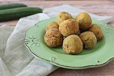Semplici e veloci da preparare le Polpette di zucchine croccanti, potete friggerle o cuocere in forno, saranno sempre buonissime