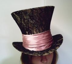 LACE TOP HAT...<3 this. I'm getting some rather awesome Alice themed party ideas.