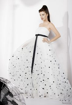 Polka dots on a wedding dress? Heck yes. Dress by Pronuptia Black White Wedding Dress, Polka Dot Wedding Dress, White Wedding Gowns, Black Polka Dot Dress, Polka Dots, Western Wedding Dresses, Wedding Dresses For Sale, Bridal Dresses, Bridesmaid Dresses