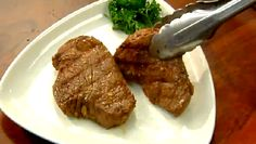 Overnight vinegar marinade won't just tenderize sirloin, but it will also infuse it with a flavor that is to die for. Make an overnight vinegar marinade to tenderize chicken with help from a cuisine. Sirloin Tips, Time To Eat, Beef Broth, Healthy Relationships, Vinegar, Stove, Carrots, Main Dishes, Food And Drink