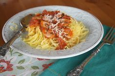 Spaghetti Squash with Tomato-mushroom Sauce #MeatlessMonday
