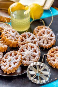 Rosetit // Crispy & Sweet Fritters for May Day Food & Style Antti Lumiainen, Mika Rampa, Perinneruokaa prkl Photo Mika Rampa www.maku.fi