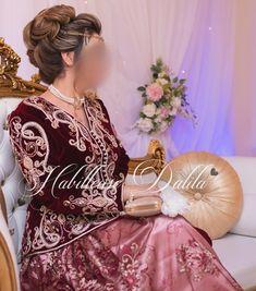 Oriental Wedding, Wedding Poses, Traditional Dresses, Instagram, Photos, Makeup, Fashion, Caftan Dress, House Dress