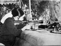 รวมภาพในหลวงยิงปืนM16 ภาพในหลวงยิงปืนสั้น ภาพพระราชินียิงปืน M16 ภาพสมเด็จพระเทพฯ สมเด็จพระบรมยิงปืนM16