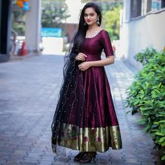 Party Wear Indian Dresses, Indian Fashion Dresses, Frock Fashion, Indian Gowns Dresses, Dress Indian Style, Indian Designer Outfits, Designer Dresses, Designer Kurtis, Indian Long Dress