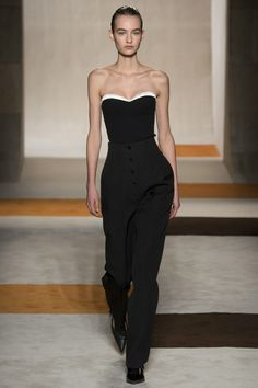 Victoria Beckham Fall 2016 Ready-to-Wear Fashion Show - Maartje Verhoef