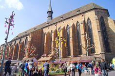 La Place des Dominicains au Printemps - Le Printemps de Colmar (www.printemps-colmar.com)