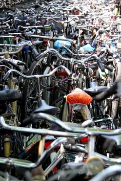 Bicycle Stampede: Chaos in Amsterdam #cycling #bike #ride