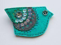 brooch bird /felt, beads, threads.