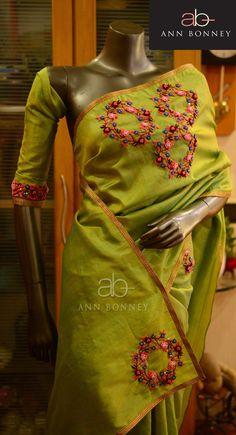 Saree Embroidery Design, Hand Embroidery Dress, Embroidery Stitches, Kerala Saree Blouse Designs, Saree Blouse Patterns, Trendy Sarees, Fancy Sarees, Jute, Cutwork Saree