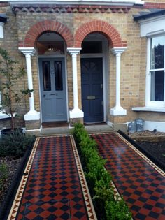 victorian black and red mosaic tile path london front garden company - Modern Victorian Front Garden, Victorian Front Doors, Victorian Terrace, Front Path, Front Walkway, Red Tiles, Mosaic Tiles, Tiling, D House