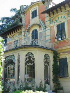 Liberty house * Italian art nouveau in Tuscany *