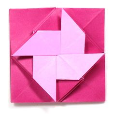 Instructions to learn how to make various kinds of origami pinwheels. Box Origami, Origami Letter, Origami Envelope, Origami And Kirigami, Origami Heart, Origami Flowers, Origami Instructions, Origami Tutorial, Flower Tutorial