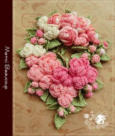 ミニバラのシュシュ&ヘアゴム&コサージュ|夢うさぎ Crochet Brooch, Crochet Motif, Crochet Doilies, Crochet Yarn, Crochet Stitches, Crochet Necklace, Crochet Flower Patterns, Crochet Flowers, Diy Flowers