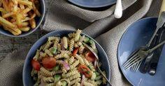 Μακαρονοσαλάτα χωριάτικη | e-Diet.gr Pasta Salad, Diet, Ethnic Recipes, Food, Crab Pasta Salad, Essen, Meals, Banting, Yemek