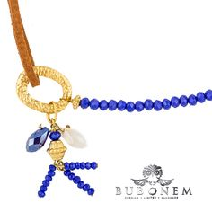 A delicate combinition of fine italian leather and dancing crystals 💖 this is the Circulum Blue Duke bracelet ✨ pick up you favorite at www.bubonem.de