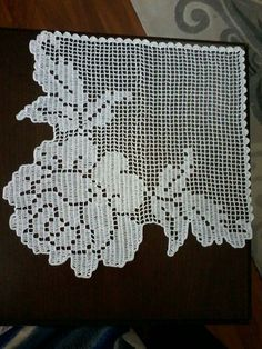 This Pin was discovered by Ayl Crochet Lace Edging, Crochet Motifs, Unique Crochet, Crochet Borders, Beautiful Crochet, Crochet Doilies, Crochet Patterns, Hand Embroidery Patterns, Embroidery Stitches