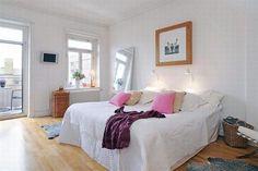 black and white apartment design 11 554x369 30 Beautiful & Modern Swedish Bedroom Designs