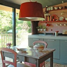 Une cuisine vintage esprit campagne - looks like from a doll house