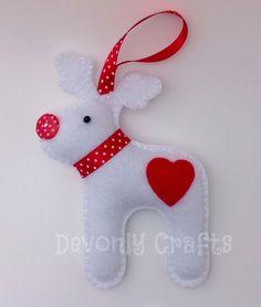 Felt Reindeer Hanging Christmas Decoration x1 (white) £6.50