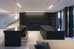 Interior design for villa. Interior design f Home Decor Kitchen, Kitchen Interior, Kitchen Dining, Kitchen Sinks, Black Kitchens, Home Kitchens, Küchen Design, House Design, Curved Kitchen Island