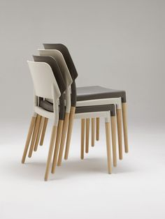 Silla belloch  Plastic + wood fibres injection