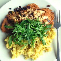Vegan Foodporn: Turmeric Brown Rice with Quinoa Patties + Smoked Tahini Gravy + Arugula mmmm   andreabalt.com