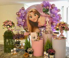 first birthday photo booth Rapunzel Birthday Cake, Disney Princess Birthday Cakes, Frozen Themed Birthday Cake, Baby Girl Birthday Theme, Tangled Birthday Party, Princess Party, Birthday Parties, Princess Sophia, Birthday Party Centerpieces