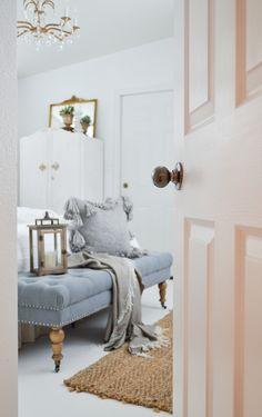 Vintage Cottage Guest Bedroom Makeover a9696487f204