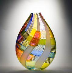 Osri Vase in Orange- Jeffrey P'an- Art Glass Vase - Artful Home Glass Art Design, Verre Design, Art Of Glass, Glass Vase, Glass Ceramic, Mosaic Glass, Stained Glass, History Of Glass, Pretty Things