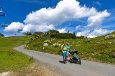 Selber gehen oder die #Seilbahn benutzen, alles ist möglich beim #Bergwandern mit #Kindern in #Obertauern. #wandern #berge #sommer #sommerurlaub #urlaub #familie #aktiv #tauern #see #baden Aktiv, Country Roads, Hill Walking, Summer Vacations, Recovery, Mountains