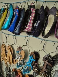 Give those extra wire hangers you have lying around a purpose by transforming them into a shoe storage apparatus. Savannah of Oh So Pretty the Diaries used pliers and yarn to turn wire hangers into a convenient way to hang her shoes. Shoe Storage Solutions, Diy Shoe Storage, Closet Storage, Storage Ideas, Hanging Storage, Closet Organization, Easy Storage, Organization Ideas, Organizational Goals