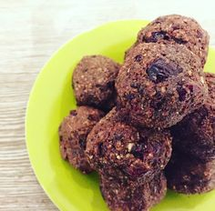 If you're craving some chocolate but don't want to fall off your healthy eating waggon, these energy bites are ideal.They are simple to make and ready within Energy Bites, Cravings, Healthy Eating, Cookies, Chocolate, Fall, Simple, Desserts, Recipes