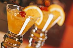 Most famous Harvey Wallbanger drink was created in 1952 and soon gained huge demand among the cocktail lover in no time. Rum Cocktail Recipes, Rum Recipes, Vodka Cocktails, Galliano Drinks, Harvey Wallbanger, American Cocktails, Basil Lemonade, Spirit Drink, Orange Soda