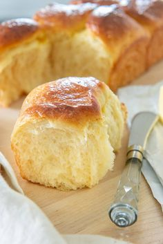Brioche – Fluffy and Buttery French Bread Made from Scratch! Homemade Brioche from Scratch! Homemade Brioche, Homemade French Bread, Recipe For Brioche, Homemade Breads, Brioche Rolls, Brioche Bun, Bread Bun, Bread Rolls, Bread Machine Recipes