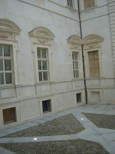 Reggia di Venaria, Window Treatments