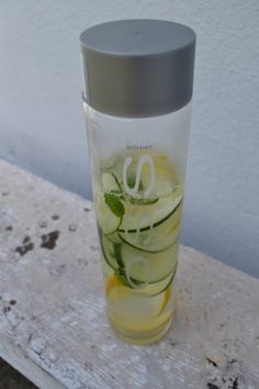 Skinny water:  Ingredients:   3 lemons sliced  1/2 cucumber  A bunch of mint leaves  (per gallon of water)  Preparation:   1. Slice lemons and cucumbers, wash mint leaves and place in a gallon of water.  2. Let it sit over night in the fridge so the water can soak up all the flavors. Drink up and enjoy the next day!  Tip: It adds a nice flavor to your water and can give you a flat belly! The lemon and water act as a natural detox that helps flush the impurities out of your system. Enjoy!