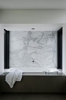 Minimalist Bathroom // Love This Modern Bathroom At The Lucerne House By  Daniel Marshall Architects. The White Carrara Marble Wall Is Brilliant,