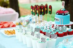 The Cupcake Gallery Blog - race car flags to decorate food or stop lights?!?