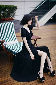 elegant BLACK jersey dress in 2019 Asian Fashion, Girl Fashion, Fashion Outfits, Korean Beauty, Asian Beauty, Looks Style, My Style, Yoon Sun Young, Asia Girl