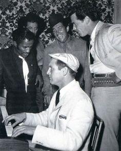 Newman, Martin, Garner, Mitchum, Davis.