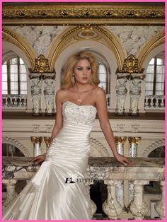 Stunning Style Mermaid Sweetheart Taffeta Pleated Lace Appliqued Import Wedding Dress