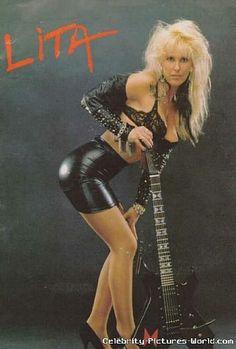 Lita Ford Fille Heavy Metal, Chica Heavy Metal, Heavy Metal Girl, Female Guitarist, Female Singers, Pop Singers, Ladies Of Metal, Bass, Lita Ford