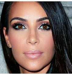 Kim Kardashian makeup and eyelashes