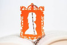 Necklace with pendant Queen Marie Antoinette with di PasBijoux