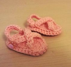 May Sandals Preemie to 18 Month Sizes © 2010 by Chaya Henry Materials: worsted weight cotton yarn (I used Sugar'n Cream) . Crochet Sandals Free, Crochet Sole, Preemie Crochet, Crochet Teddy, Newborn Crochet, Crochet Baby Booties, Crochet Slippers, Knitted Baby, Free Baby Patterns