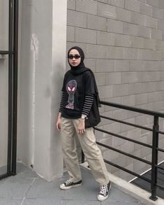 Modern Hijab Fashion, Street Hijab Fashion, Hijab Fashion Inspiration, Muslim Fashion, Casual Hijab Outfit, Ootd Hijab, Casual Outfits, Classy Outfits, Teen Fashion Outfits
