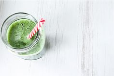We Have Gathered the Top Tips on How and Why to Complete a Liver Cleanse, as Well as 10 Delicious Liver Detox Smoothies for an Optimal Healthy Liver. Liver Detox Drink, Best Liver Detox, Detox Cleanse Drink, Liver Cleanse, Detox Drinks, Detox Soup, Body Cleanse, Smoothie Vert, Smoothie Detox